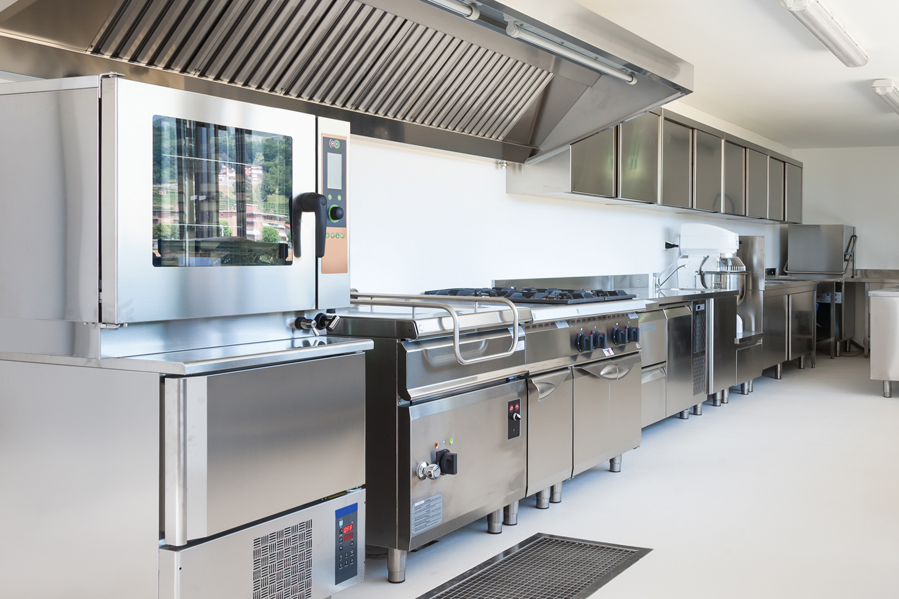 https://profichladenie.sk/wp-content/uploads/2021/09/SamTell-Blog-Restaurant-Kitchen-Design-Tips-to-Maximize-Functionality.jpg